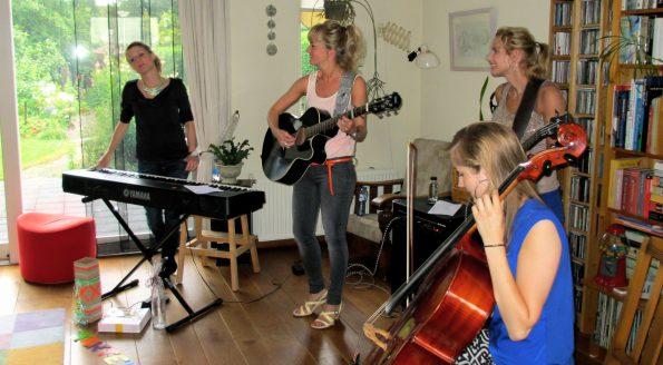:: Huiskamerconcert Nieuwendijk ::